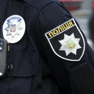 Мальчиков били родители: неравнодушные киевляне вызвали полицию, когда увидели детей с синяками