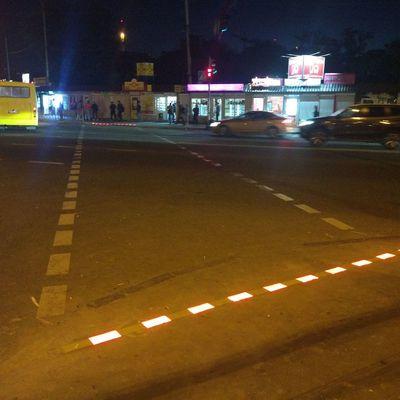 В Киеве обустроили первый светодиодный пешеходный переход