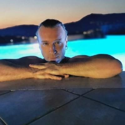 Олег Винник рассказал, кто его фотографирует во время отдыха