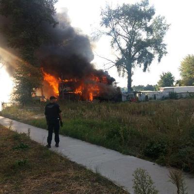 В Киеве на Гидропарке горел пляжный комплекс (фото)