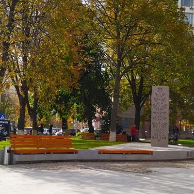 В Киеве открыли Латвийский сквер (фото)