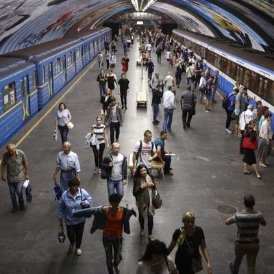 В Киеве сегодня продлят работу метро