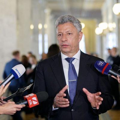 Бойко: Спекуляции вокруг отведения войск могут помешать установлению мира в стране