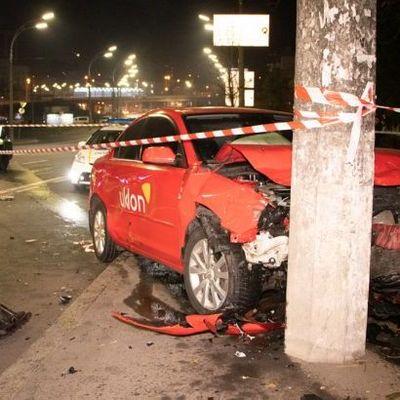 В Киеве столкнулись два такси с пассажирами, есть пострадавшие