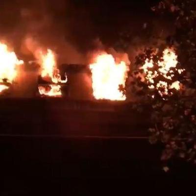 В Берлине горел поезд с сотнями футбольных фанатов, есть пострадавшие