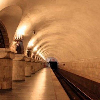 С 30 октября в Киевском метрополитене станцию Золотые ворота утром будут закрывать на вход