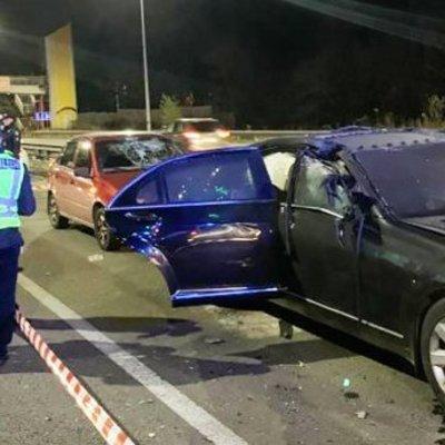Мотоциклист бросил в автомобиль взрывчатку в Киеве: есть жертвы и пострадавшие