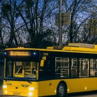 Из-за строительства Шулявского моста в Киеве в ночь на 7 ноября изменились маршруты троллейбусов
