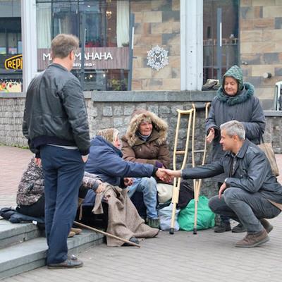 У киевского вокзала планируют обустроить дом для бездомных