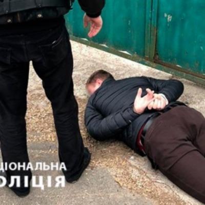 На столичной Оболони следователя полиции поймали на взятке (фото)