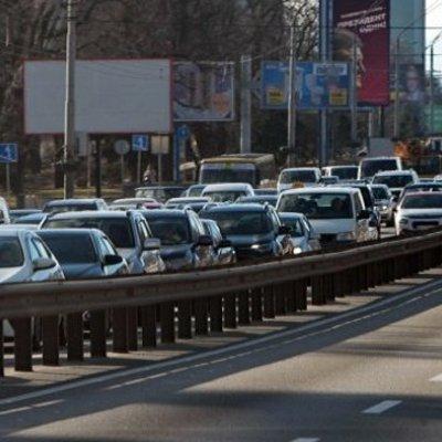 ДТП и ремонты: Киев остановился в 6-бальных пробках (КАРТА)