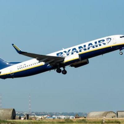 Лоукост Ryanair отменяет полеты из Киева в Германию и Швецию