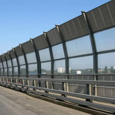 Богдан Бенюк призвал Кличко построить звукоизоляционную стену вдоль Броварского проспекта