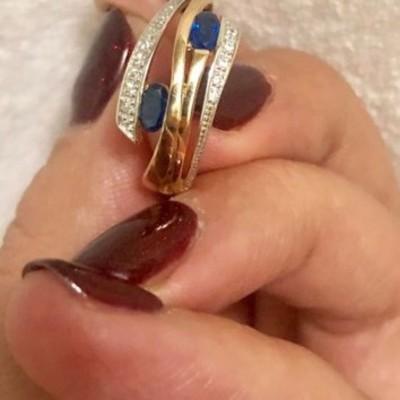 В Киеве жительница Харьковского массива нашла в куске хлеба золотое кольцо с бриллиантами