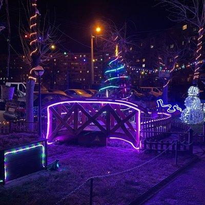Жители Оболони в Киеве превратили свой двор в сказочный уголок, - ФОТО