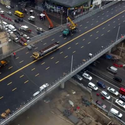 В Киеве открыли движение реконструированным Шулявским мостом