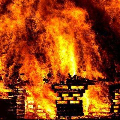 В Киевской области на пожаре погибли трое людей