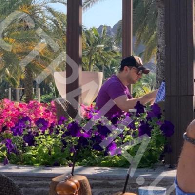 Зеленского заметили в роскошном отеле Омана (фото)