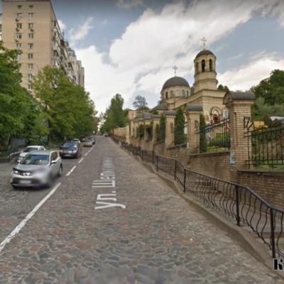 Со следующей недели крутой спуск на улице Шелковичной в Киеве станет односторонним