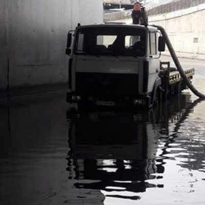 В Киеве снова затопило тоннель возле автостанции «Выдубичи»