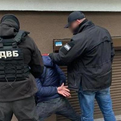 В Киеве боевик ДНР стрелял в полицейских и ранил одного