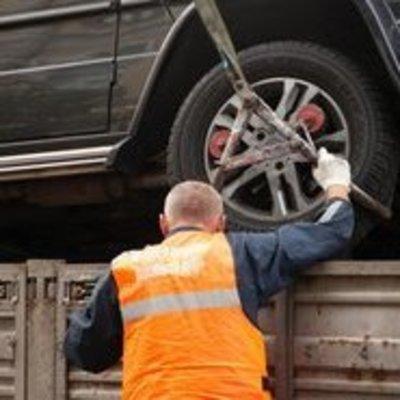 Власти Киева упростили процедуру возврата эвакуированного автомобиля