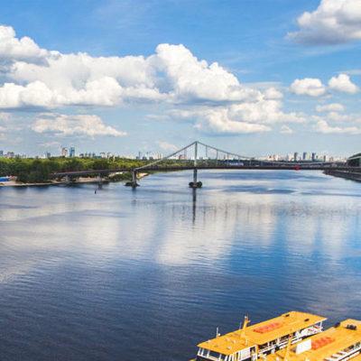 Из Киева по Днепру запустят туристический теплоход в Беларусь