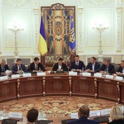 Февральские премии министров: от 9 до 67 тыс. грн