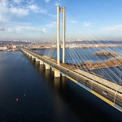 У Южного моста в столице на месяц перекрыли движение (ФОТО)