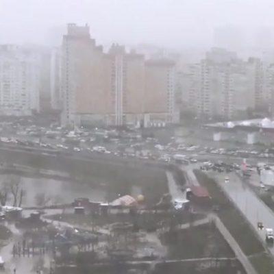 Погода диктует свои условия. Киев остановился в заторах