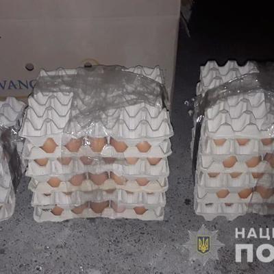 В Киевской области мужчины обокрали птицефабрику