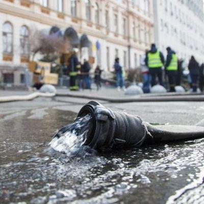 В Киеве во время движения загорелась маршрутка
