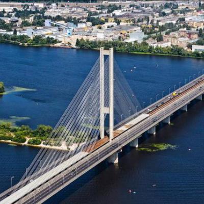 В Киеве ночью частично перекрыли Южный мост: движение ограничили до 7 марта