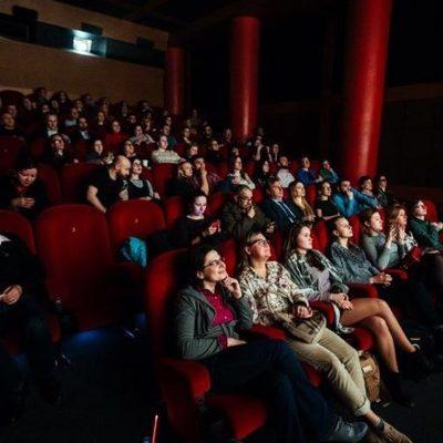 Кинотеатры отказываются закрываться на карантин — причины