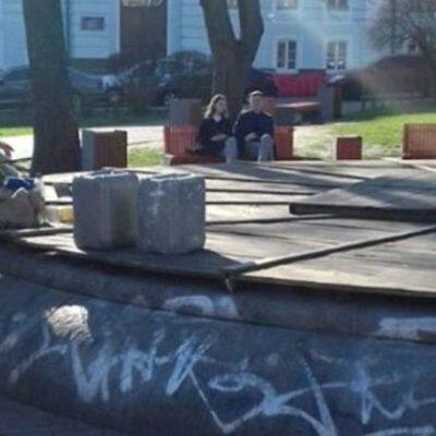 Вандалы повредили фонтан на Контрактовой площади