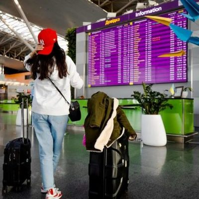 В Украине официально запретили иностранный туризм