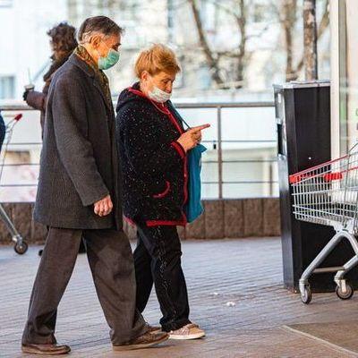 Самая уязвимая возрастная группа украинцев на COVID-19 — статистика
