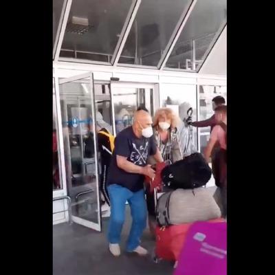 Прибывшие из Вьетнама украинцы пытались сбежать из Борисполя