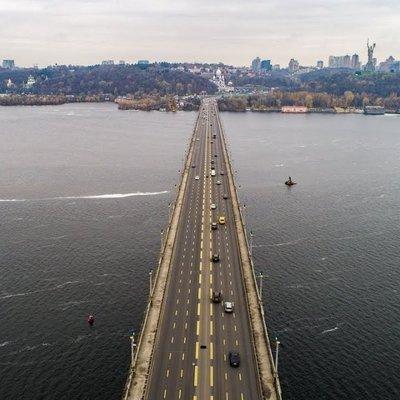 В Киеве ограничат движения по мосту Патона