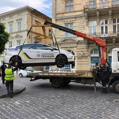 В Киеве теперь можно вернуть эвакуированное авто с помощью мобильного приложения