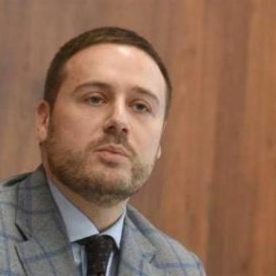 Топ-чиновник КГГА устроил драку с полицейским в Киеве. Видео