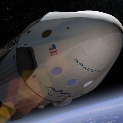 Корабль SpaceX успешно состыковался с МКС