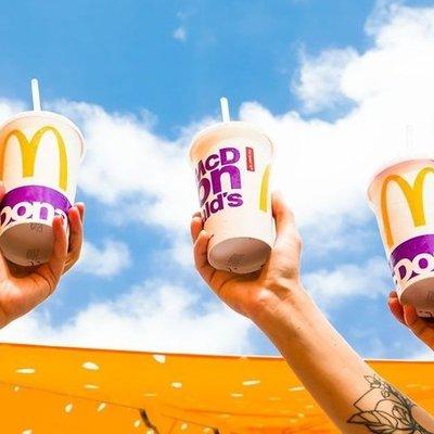 Украинский McDonald's отказывается от использования пластиковых стаканчиков