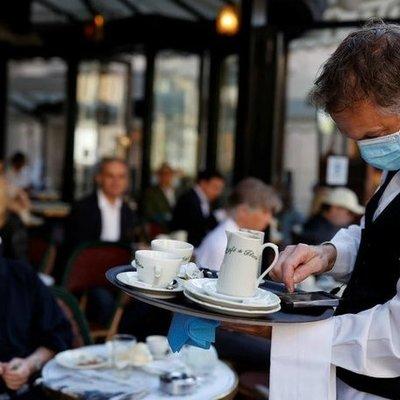 Киевским ресторанам и кинотеатрам снова разрешили работать после 10 вечера