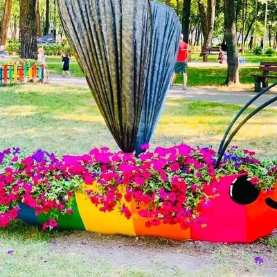 В Сырецком парке появился первый сказочный герой, нарисованный детьми