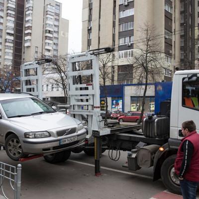 В Киеве могут запретить работу эвакуаторов