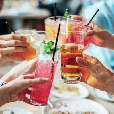 Медики назвали самые опасные алкогольные коктейли для здоровья