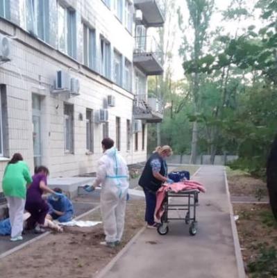 В Киеве в «ковидной» больнице — волна самоубийств: за два дня двое мужчин покончили с жизнью