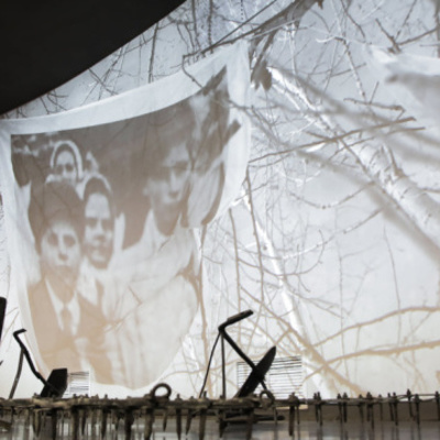 В Киеве открыли самую известную в мире выставку о Голодоморе