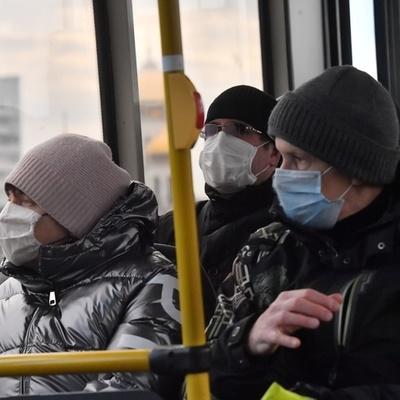 В маршрутке Киева пассажиры подрались из-за маски